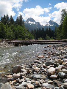 hike in the cascades